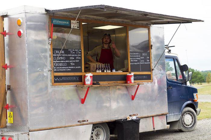 Food truck på veteranbilsträff i Stoxta