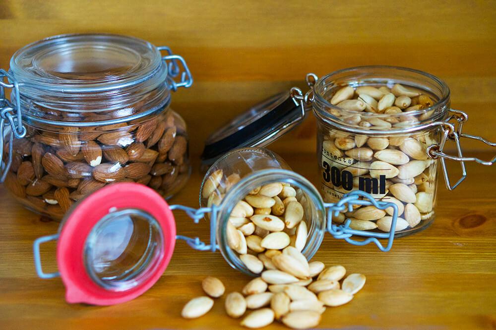 Skållade mandlar till hemgjort mandelsmör