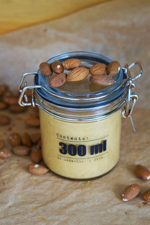 Hemgjort mandelsmör - nyttigt och gott